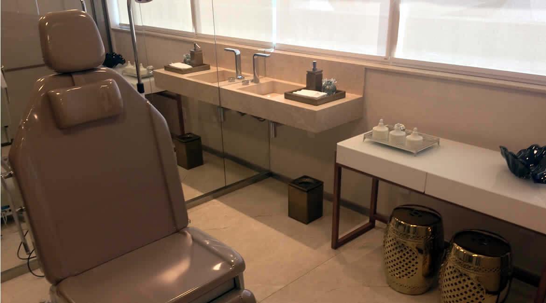 Sala de Procedimentos Dra. Cristiana Lucena - Sobre | Due Pele - Tratamentos estéticos, laser e dermatológicos | Brasília/DF